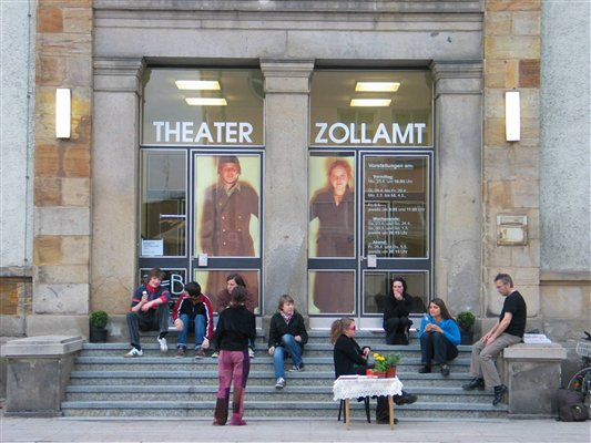 Eingang Theater Zollamt